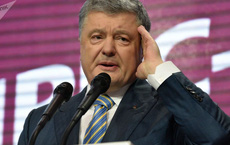 """Cựu TT Poroshenko rưng rưng nước mắt khẳng định Crimea sẽ về với Ukraine, nghị sĩ Nga liền """"tạt nước lạnh"""""""