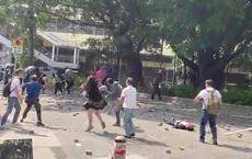Hồng Kông: Cãi nhau vì dọn chướng ngại vật của người biểu tình, cụ ông 70 tuổi bị ném gạch đến chết não