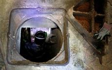 Hồng Kông: Cùng quẫn, người biểu tình chui xuống cống nước thải chạy trốn nhưng đành thất vọng