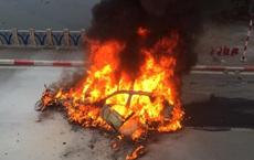 Diễn biến vụ xe Mercedes đâm hàng loạt phương tiện khiến 1 người tử vong rồi bốc cháy