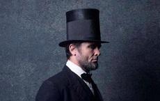 Đóng giả làm Abraham Lincoln, 1 năm sau chuyện không tin nổi đã xảy ra với người đàn ông