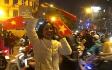 """U22 Việt Nam vô địch và cách hành xử """"có 1 không 2"""" của Mr Đàm, Hoài Linh, Trấn Thành"""
