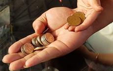 Đưa 4 đồng xu cho con và chôn 1 đồng xu xuống đất lúc bị lạc, ông bố thay đổi cả cuộc đời con trai
