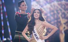 Nguyễn Trần Khánh Vân bật khóc nức nở trong giây phút đăng quang Hoa hậu Hoàn vũ Việt Nam 2019