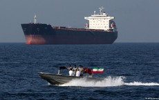 """Tàu dầu mất tích bí ẩn tại eo biển Hormuz, """"đối tượng tình nghi"""" Iran lên tiếng: Sự thật là gì?"""