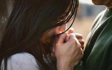 Gọi điện thoại để thử chồng, người phụ nữ sợ mất mặt với bạn bè và hồi kết ai cũng bất ngờ