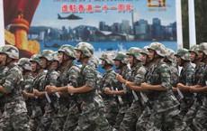 Chỉ nói 1 câu, Quân giải phóng Trung Quốc mở toang khả năng động binh dẹp biểu tình Hồng Kông