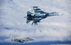 """""""Hàng nóng"""" Su-35, Su-27 Nga dùng truy đuổi E/F-18 để bảo vệ Bộ trưởng Shoigu là loại gì?"""