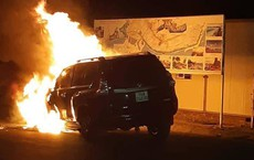 Toyota Prado hơn 2 tỷ bốc cháy trơ khung trong đêm