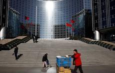 """Nỗi khổ khi đến Bắc Kinh đúng dịp tiền đại lễ: Nhiều du khách """"bị nhốt"""" trong khách sạn cả nửa ngày trời"""