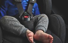 Bé 3 tuổi bị bỏ quên 9 tiếng trên ô tô sống sót kỳ diệu không biến chứng nhờ điều gì?