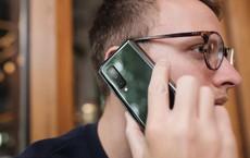 """Galaxy Fold có """"lỗ hổng"""" trong thiết kế siêu lớn, có thể khiến phần lớn người dùng là nam giới quay lưng"""