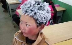 Cậu bé từng đi bộ 4,5 km đến trường dưới trời đông -8°C khiến đầu đóng băng ngày ấy: Gia cảnh giờ đã khác nhưng lại gây tranh cãi