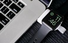 Dùng Apple Watch mà suốt ngày hết pin thì nên mua bộ sạc mini này, giá chỉ 100k mà gọn nhẹ được việc bất ngờ