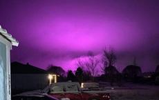 Trại trồng cần sa khiến bầu trời ở Mỹ nhuộm một màu tím đậm