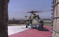"""Lý giải sự xuất hiện bất thường của """"xe tăng bay"""" Mi-24 Nga tại căn cứ Không quân Mỹ"""