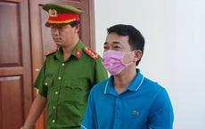 Các bị cáo buôn thuốc chữa bệnh ung thư giả đeo khẩu trang chống dịch Corona đến tòa