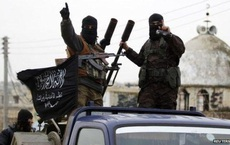 """Chiến sự Syria: Nga """"nổi giận"""" có khiến Thổ Nhĩ Kỳ ngừng tấn công vào """"chảo lửa"""" Idlib?"""