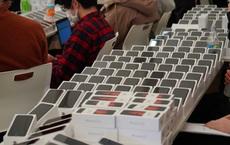 Nhật Bản trao 2.000 chiếc iPhone cho hành khách bị mắc kẹt trên tàu du lịch bị cách ly vì Covid-19