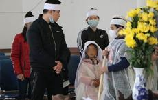 Vụ mẹ bế con ăn xin ở cầu Thanh Trì bị xe máy đâm: 7 năm ròng rã gia đình không hay biết