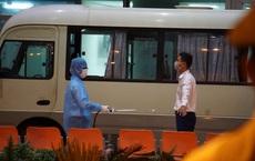 [Ảnh] Đoàn khách Hàn Quốc rời Đà Nẵng, trở về tâm dịch Covid-19 Daegu lúc nửa đêm