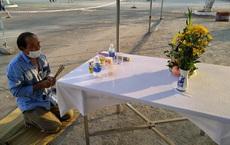 Trở về từ Malaysia, người đàn ông Nghệ An chịu tang cha già tại khu cách ly ở Đà Nẵng