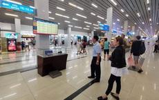 Hàng không tạm dừng đưa người Việt Nam từ nước ngoài về sân bay Nội Bài