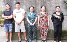 24h truy bắt nóng 3 nữ quái cùng 2 người đàn ông đóng kịch để trộm cắp từ Bắc vào Nam