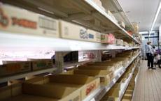 """COVID-19: Người dân Tokyo tranh thủ tích trữ thực phẩm sau khuyến nghị """"ở nhà tránh dịch"""" của chính quyền"""