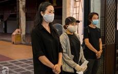 Tang lễ diễn viên Mai Phương diễn ra lặng lẽ, gia đình bạn bè không nén nổi nước mắt