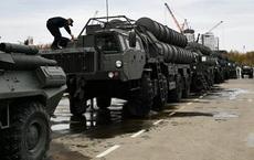 """Tên lửa S-400 Triumph của Nga hay Patriot của Mỹ """"ngầu"""" hơn?"""