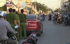 Nhóm thanh niên chặn xe ô tô, chém gần đứt lìa tay người đàn ông ở Sài Gòn