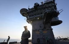 """Hải quân Mỹ đứng trước áp lực chưa từng có: Quyết loại bỏ """"người hùng"""" của tàu sân bay hay đối đầu dư luận?"""