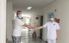 Ca nhiễm Covid-19 duy nhất được điều trị tại Quảng Nam khỏi bệnh, được xuất viện