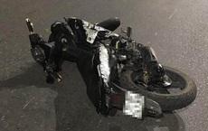2 thanh niên đâm xe máy vào nữ cán bộ chốt kiểm dịch Covid-19 ở Hải Dương