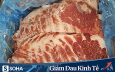 Giá thịt lợn vẫn cao ngất, nhiều người đổ xô mua thịt đông lạnh siêu rẻ