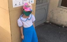 Học sinh lớp 1 đứng ở cổng trường giữa trưa nắng vì đi học sớm 15 phút: Hiệu trưởng nói cô giáo quá cứng nhắc