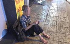 Thấy cụ già mù một mắt bán vé số, cô gái tặng tiền tại chỗ, khi về tiếp tục giúp bằng hành động đặc biệt