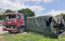 Xe container hất văng xe thùng biển đỏ, 7 người thương vong nằm la liệt trên đường