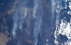 Phi hành gia NASA chia sẻ hình ảnh cháy rừng 'đại thảm họa' nước Úc từ vũ trụ: Chỉ vài tấm ảnh thôi là đủ để thấy tình trạng đau lòng đến mức nào