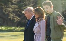 Quý tử nhà Trump lại gây xôn xao dư luận với vẻ đẹp hoàn hảo, tỏa ra ánh hào quang rực rỡ trong lần xuất hiện mới nhất