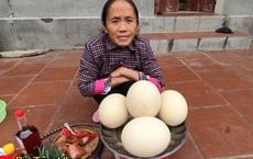 Tiếp tục 'chơi lớn', bà Tân Vlog làm hẳn 4 quả trứng đà điểu chiên nước mắm siêu to khổng lồ