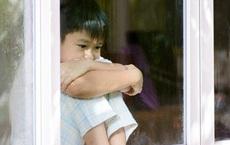 Con trai luôn nói có ai đó ở ngoài cửa sổ, mẹ mắng con linh tinh nhưng đưa đi kiểm tra thì bàng hoàng với kết quả nhận được
