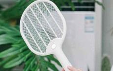 Cách dùng vợt bắt muỗi cực hay mà 30 năm qua ta không hề hay biết