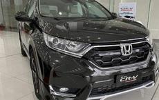 Đại lý tìm đủ chiêu xả hàng Honda CR-V đón bản mới: Sau giảm giá là tặng xe phân khối lớn, giá thực tế chỉ hơn 800 triệu đồng