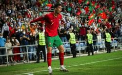 """Ronaldo """"hủy diệt"""" đội bóng đứng ngang với Việt Nam; xác định thêm 1 cái tên giành vé World Cup"""