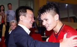 """Sau """"chiếc bánh vẽ"""" Gabriel Tan dành cho Quang Hải là """"ngón đòn cao tay"""" của bầu Hiển"""
