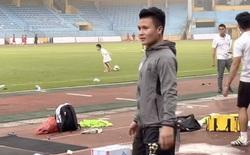 Quang Hải chấn thương phải bỏ tập, bác sĩ Choi đề nghị thăm khám