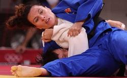 CLIP: Võ sĩ Việt dính 2 đòn hiểm sau 2 phút, bị cựu vô địch châu Âu hạ knock-out ở Olympic