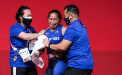 """VĐV Philippines """"khóc như mưa"""" khi giành tấm HCV lịch sử và lập kỷ lục Olympic"""